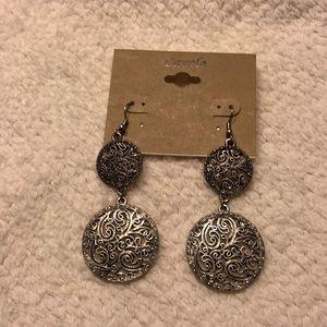 🌸3 for $12!!Elegant Antique Silver Tone Earrings